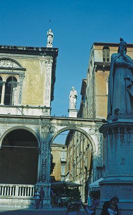 Dante szobra Veronában